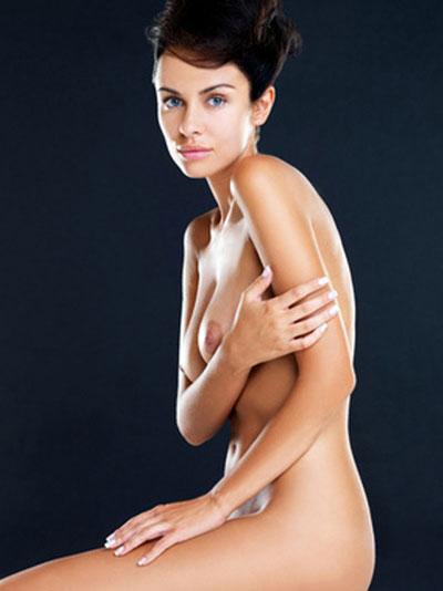 Welches Schönheitsideal wird durch Schönheitschirurgie verfolgt?